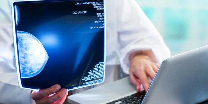 Оценка-риска-развития-рака-груди-с-помощью-маммографии