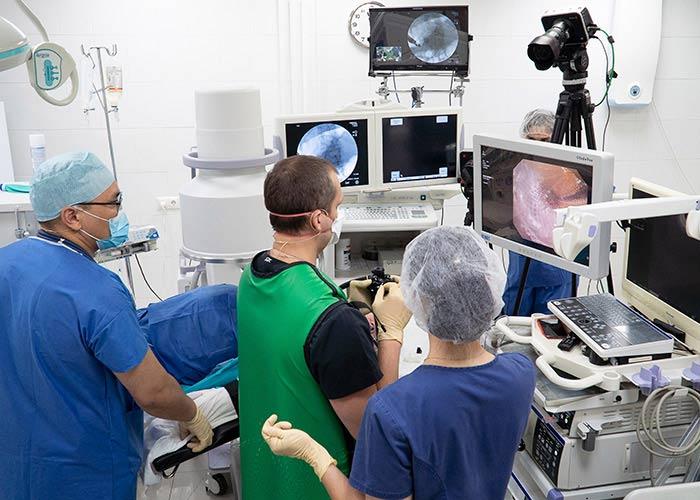 Эндоскопическая операция в прямом эфире